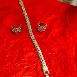 Beautiful silver bracelet and two silver rings